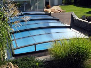 Zastřešení bazénu CORONA™ s komůrkovým polykarbonátem